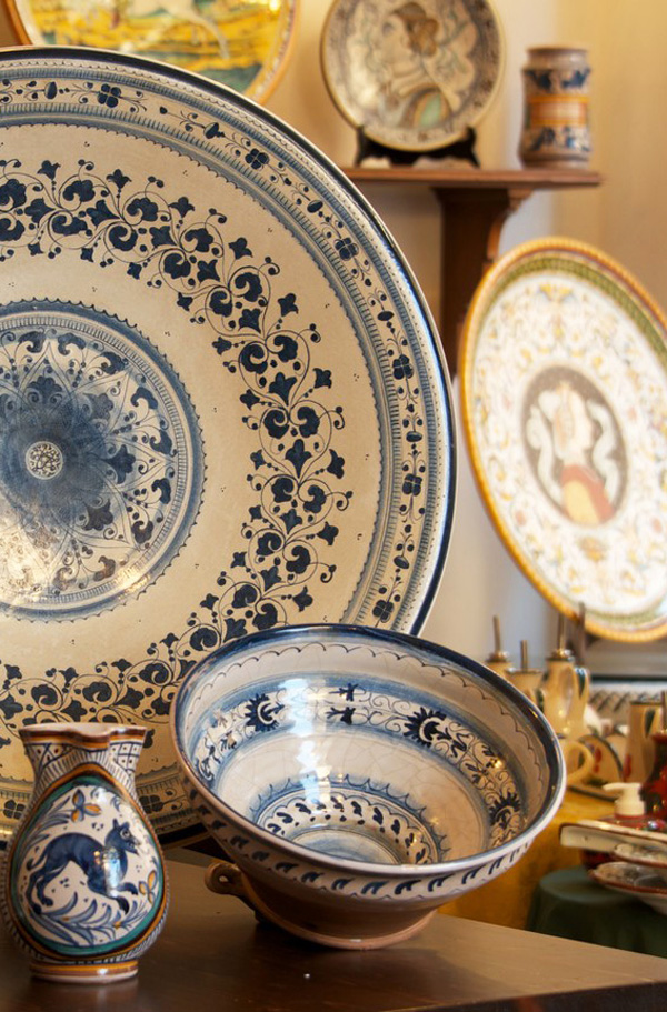 http://www.villalasciolta.it/wp-content/uploads/2016/02/ceramica-2.jpg