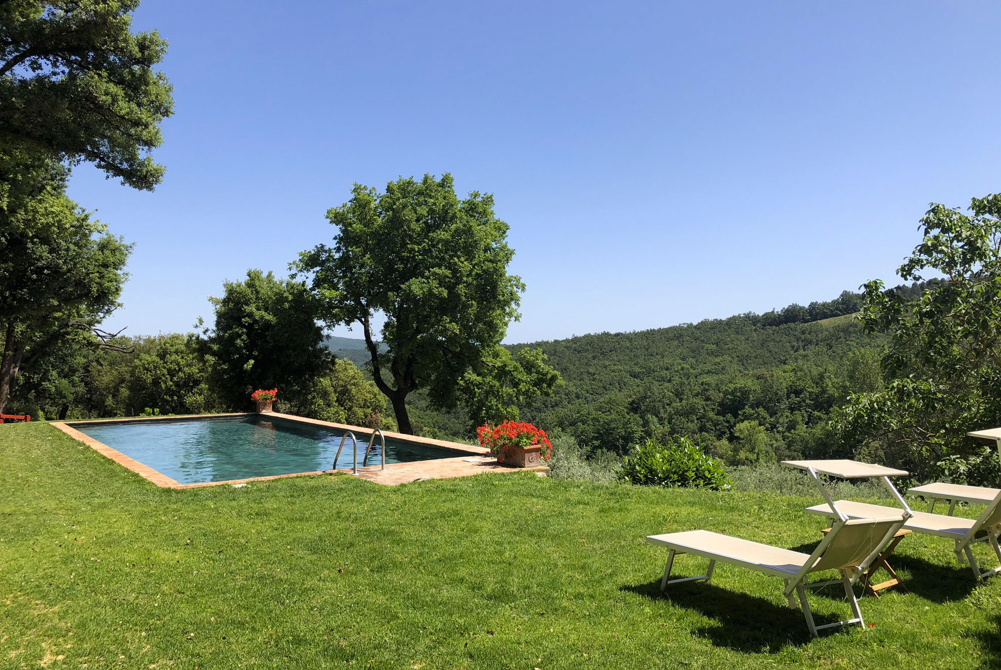 http://www.villalasciolta.it/wp-content/uploads/2016/02/villa-la-sciolta-tuscany6-1.jpg