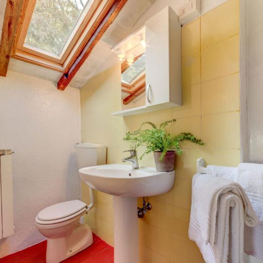 http://www.villalasciolta.it/wp-content/uploads/2016/04/la-sciolta-historic-villa-gambassi-terme-florence-tuscany12-540x540.jpg
