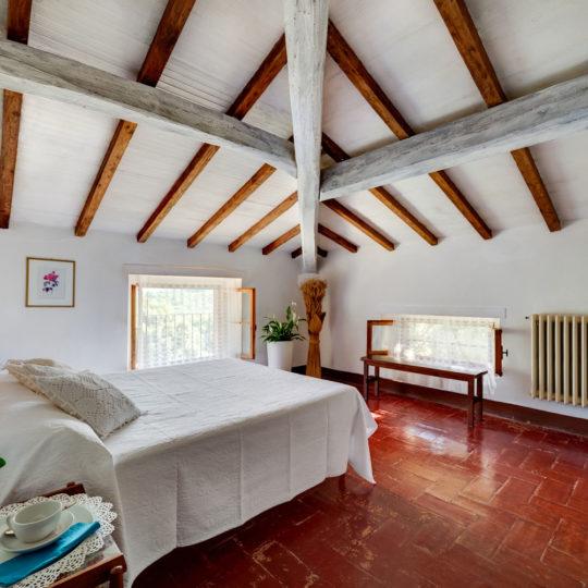 http://www.villalasciolta.it/wp-content/uploads/2016/04/la-sciolta-historic-villa-gambassi-terme-florence-tuscany14-540x540.jpg