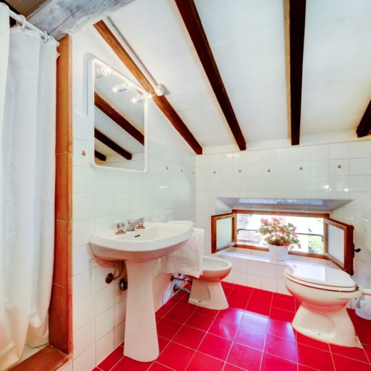 http://www.villalasciolta.it/wp-content/uploads/2016/04/la-sciolta-historic-villa-gambassi-terme-florence-tuscany15-540x540.jpg