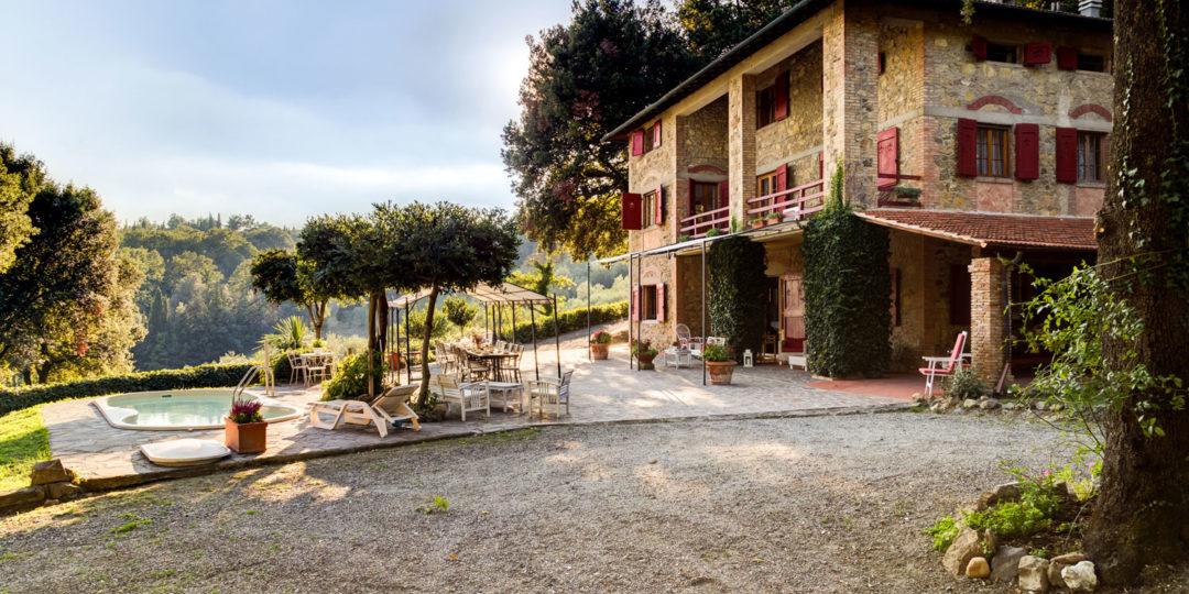 http://www.villalasciolta.it/wp-content/uploads/2016/04/la-sciolta-historic-villa-gambassi-terme-florence-tuscany22-1080x540.jpg