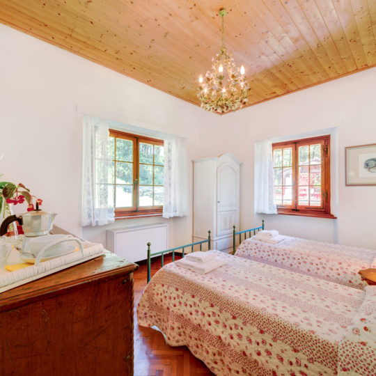 http://www.villalasciolta.it/wp-content/uploads/2016/04/la-sciolta-historic-villa-gambassi-terme-florence-tuscany7-540x540.jpg