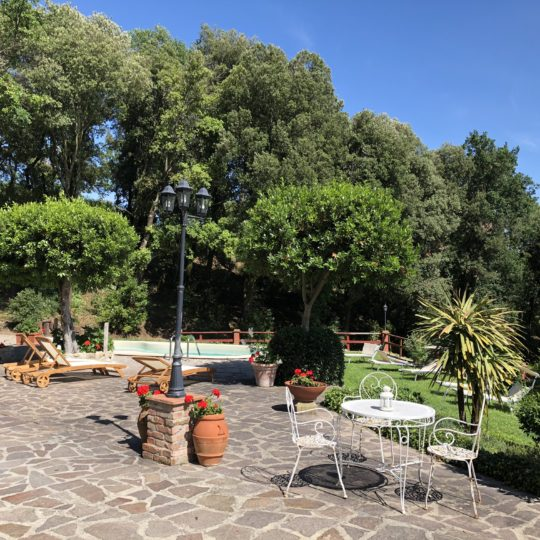 http://www.villalasciolta.it/wp-content/uploads/2016/04/villa-la-sciolta-gambassi4-540x540.jpg
