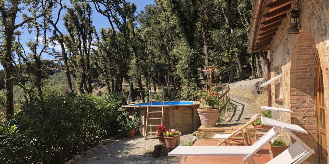 http://www.villalasciolta.it/wp-content/uploads/2016/12/cottage-villa-la-sciolta-gambassi2-1080x540.jpg
