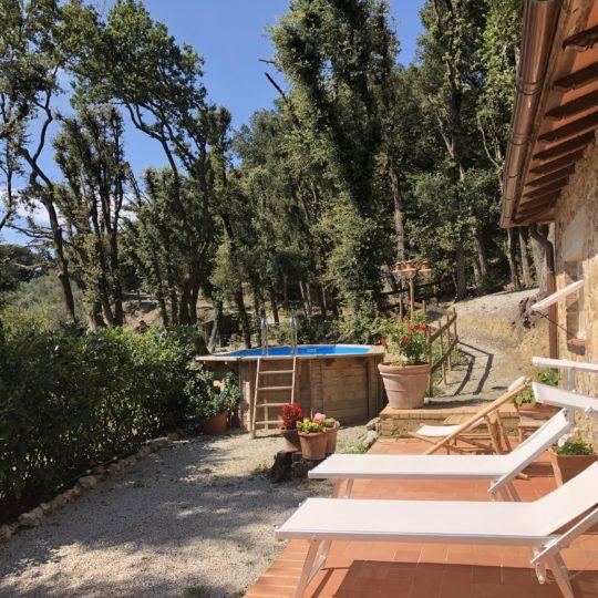 http://www.villalasciolta.it/wp-content/uploads/2016/12/cottage-villa-la-sciolta-gambassi2-540x540.jpg