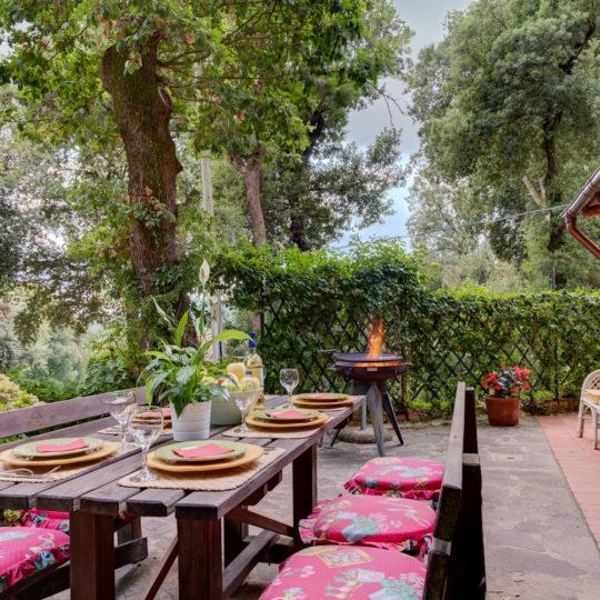 http://www.villalasciolta.it/wp-content/uploads/2016/12/la-sciolta-historic-villa-cottage-querce-gambassi-terme-florence-tuscany13-540x540.jpg