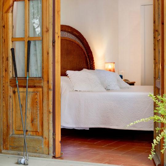 http://www.villalasciolta.it/wp-content/uploads/2016/12/la-sciolta-historic-villa-cottage-querce-gambassi-terme-florence-tuscany15-540x540.jpg