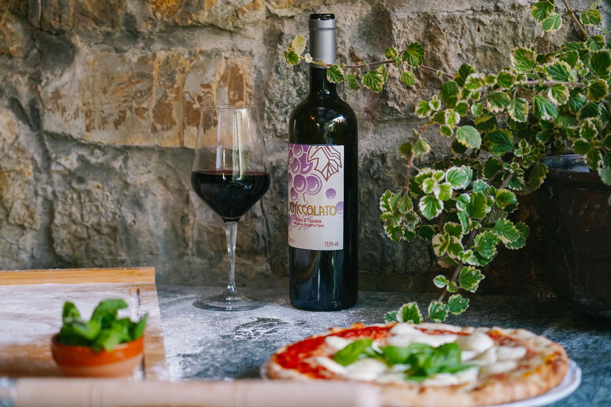 https://www.villalasciolta.it/wp-content/uploads/2019/12/vino-azienda-agricola-morelli-giugni.jpg